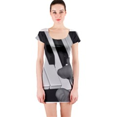 The Piano Player Short Sleeve Bodycon Dresses