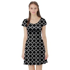 Black White Quatrefoil Classic Pattern Short Sleeve Skater Dress by Zandiepants