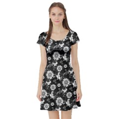 Black & White2 Vintage Floral Short Sleeve Dress