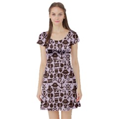 Purple Pattern On Pirate Theme With Objects And Elements Short Sleeve Skater Dress