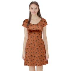 Orange Halloween Pattern With Poisonous Spiders Short Sleeve Skater Dress