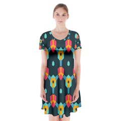 Connected Shapes Pattern              Kids  Short Sleeve Dress by LalyLauraFLM