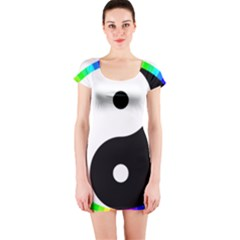 Rainbow Around Yinyang Short Sleeve Bodycon Dress by Nexatart