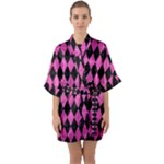DIAMOND1 BLACK MARBLE & PINK BRUSHED METAL Quarter Sleeve Kimono Robe