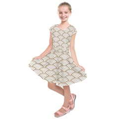 Art Deco,japanese Fan Pattern, Gold,white,vintage,chic,elegant,beautiful,shell Pattern, Modern,trendy Kids  Short Sleeve Dress by 8fugoso
