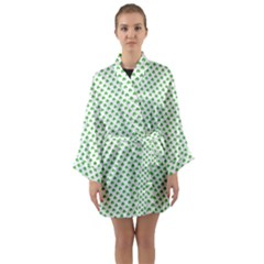 Green Heart Shaped Clover On White St  Patrick s Day Long Sleeve Kimono Robe