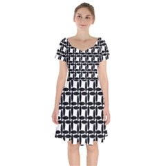Ellipse Pattern Background Short Sleeve Bardot Dress