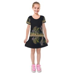 Soi Ball Symmetry Scenery Reflect Kids  Short Sleeve Velvet Dress