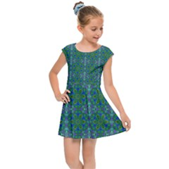 Farbenpracht Kaleidoscope Patterns Kids  Cap Sleeve Dress by Pakrebo