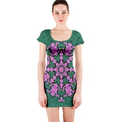 The Most Uniqe Flower Star In Ornate Glitter Short Sleeve Bodycon Dress by pepitasart