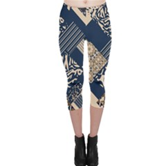 Abstract Glitch Pattern Capri Leggings