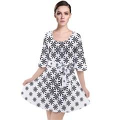 Black And White Pattern Velour Kimono Dress by tarastyle