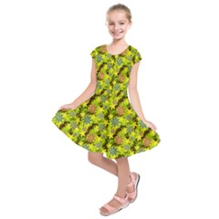 Flowers Yellow Red Blue Seamless Kids  Short Sleeve Dress