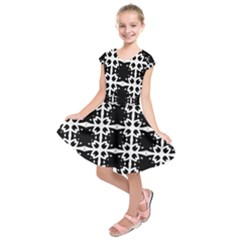 Seamless Pattern Design Ornament Kids  Short Sleeve Dress