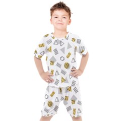 Memphis Seamless Patterns Kids  Tee And Shorts Set by Vaneshart