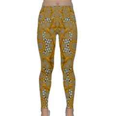 A Star In Golden Juwels Lightweight Velour Classic Yoga Leggings by pepitasart