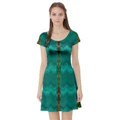 Shimmering Colors From The Sea Decorative Short Sleeve Skater Dress