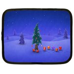 Walking Christmas Tree In Holiday Netbook Case (XL)