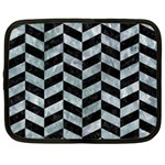 CHEVRON1 BLACK MARBLE & ICE CRYSTALS Netbook Case (Large)