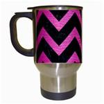 CHEVRON9 BLACK MARBLE & PINK BRUSHED METAL (R) Travel Mugs (White)