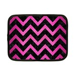 CHEVRON9 BLACK MARBLE & PINK BRUSHED METAL (R) Netbook Case (Small)