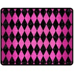 DIAMOND1 BLACK MARBLE & PINK BRUSHED METAL Fleece Blanket (Medium)